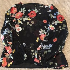 Floral sheer blouse with slightly balloon sleeves
